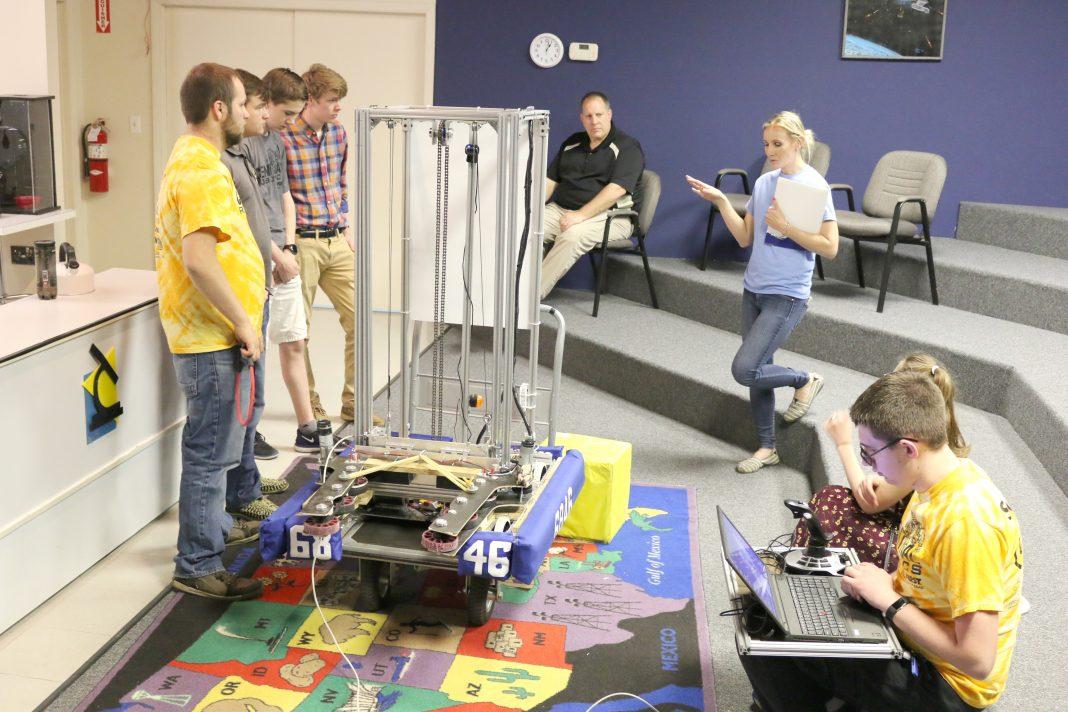 robot professeur tableau