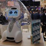 Un petit robot aux expressions marquées