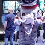 Un cosmonaute ou spationaute ou astronaute ou taïkonaute !