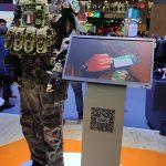 L'équipement connecté du soldat du futur ! Avec la bouteille d'eau, au cas où ^^